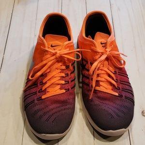 Nike Free sz 6 TR 6 shoes
